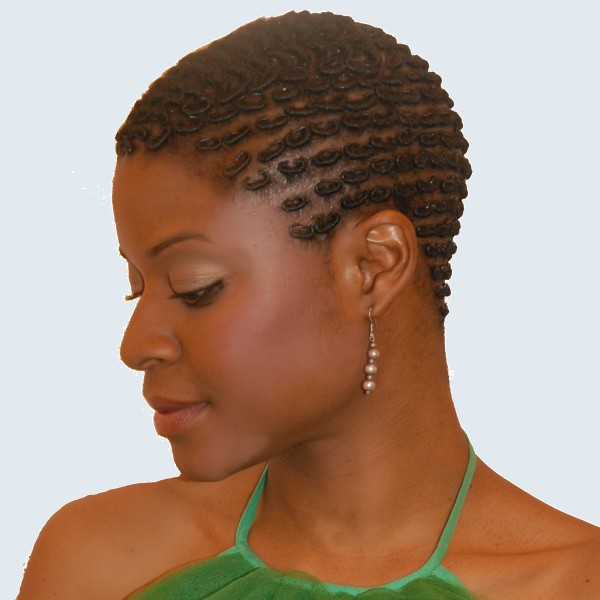 how to use pomade on natural hair