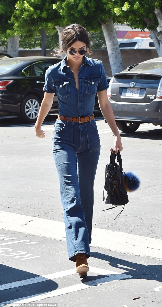 kendall-jenner-jeans-2