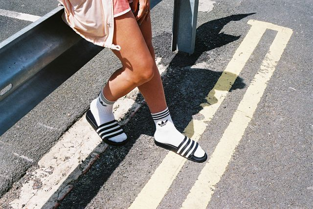 things-not-to-wear-on-university-campus-flip-flops-with-socks-fashion-police-nigeria