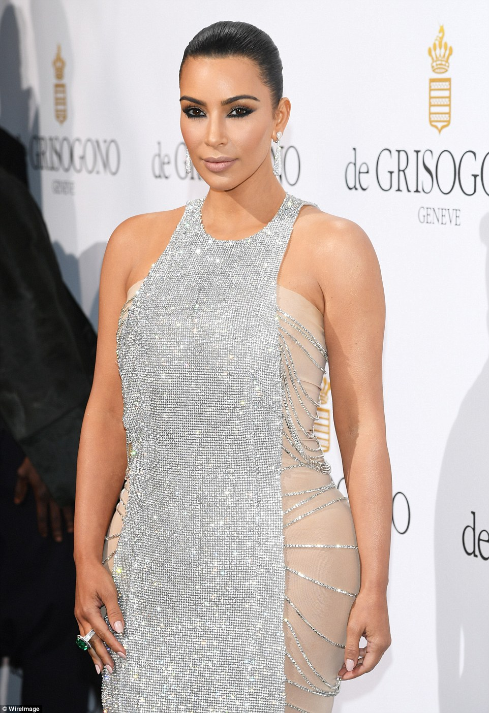 Celebrity Style, Fashion News, Fashion Trends, and Beauty Tips ...