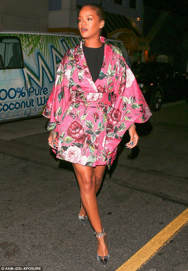 Rihanna-Kimono-Floral-Dress-Style-FashionPoliceNigeria-1