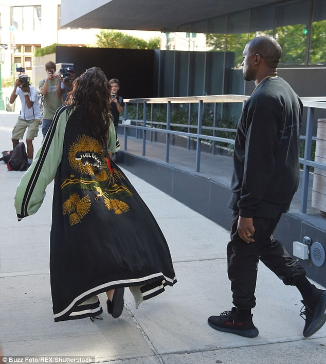 Kim-Kardashian-Spanx-Corset-FashionpoliceNigeria-3