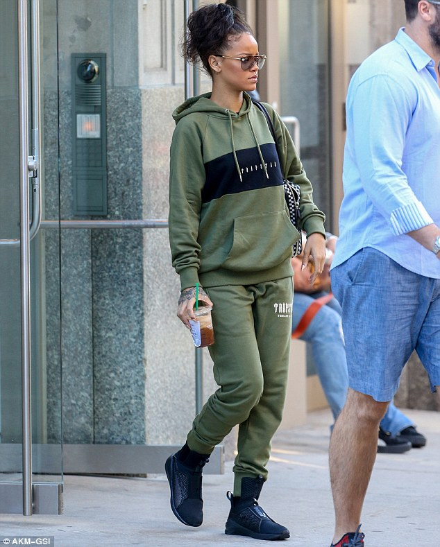 celebrity style fashion news fashion trends and beauty