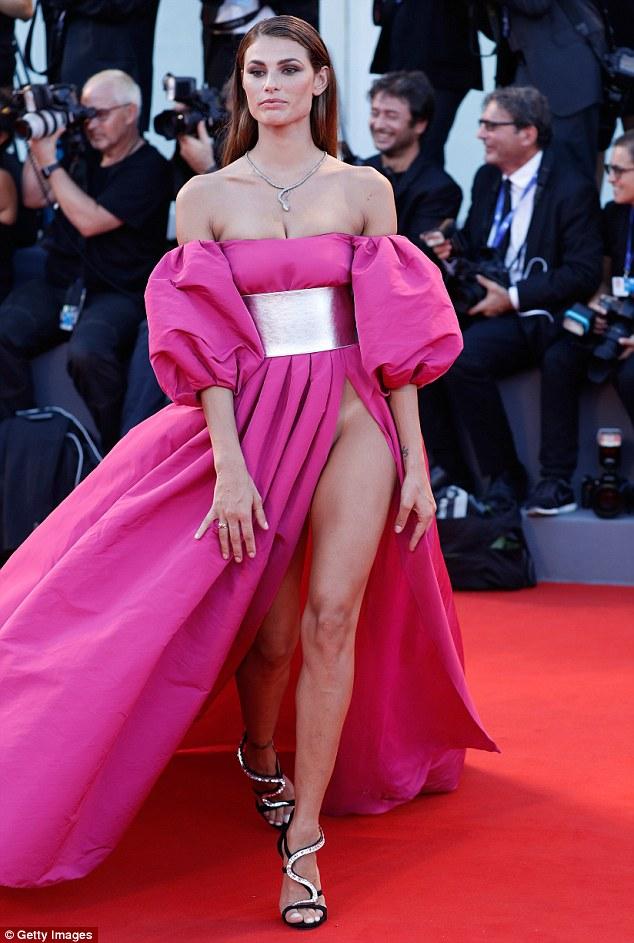 Giulia Salemi, Dayane Mello suffer wardrobe malfunction at
