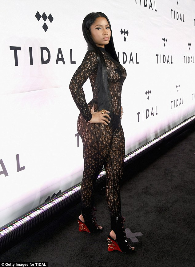 This Nicki Minaj S Naked Dress Will Leave Your Eyes