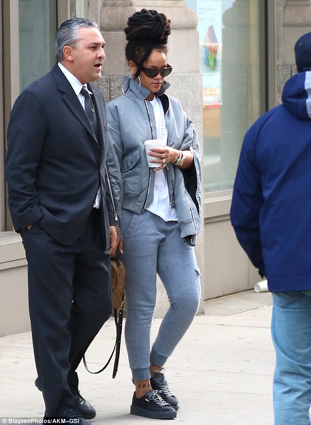rihanna-all-gray-outfit-fashionpolicenigeria-1