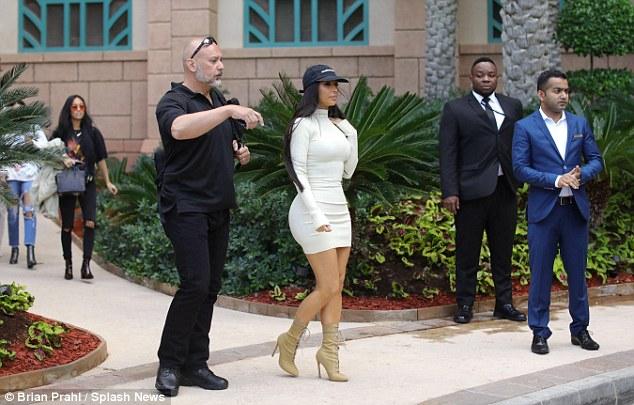 kim-kardashian-bodycon-dress-dubai-fashionpolicenigeria