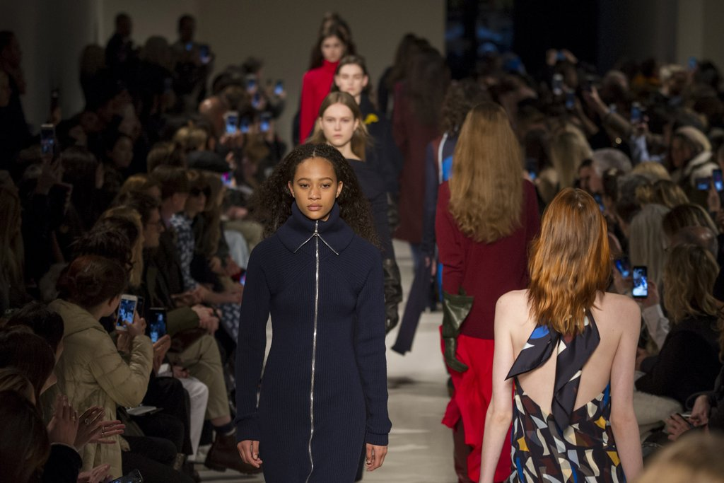 The Noteworthy Runway Looks From Calvin Klein, Marc Jacobs, More The Noteworthy Runway Looks From Calvin Klein, Marc Jacobs, More new images