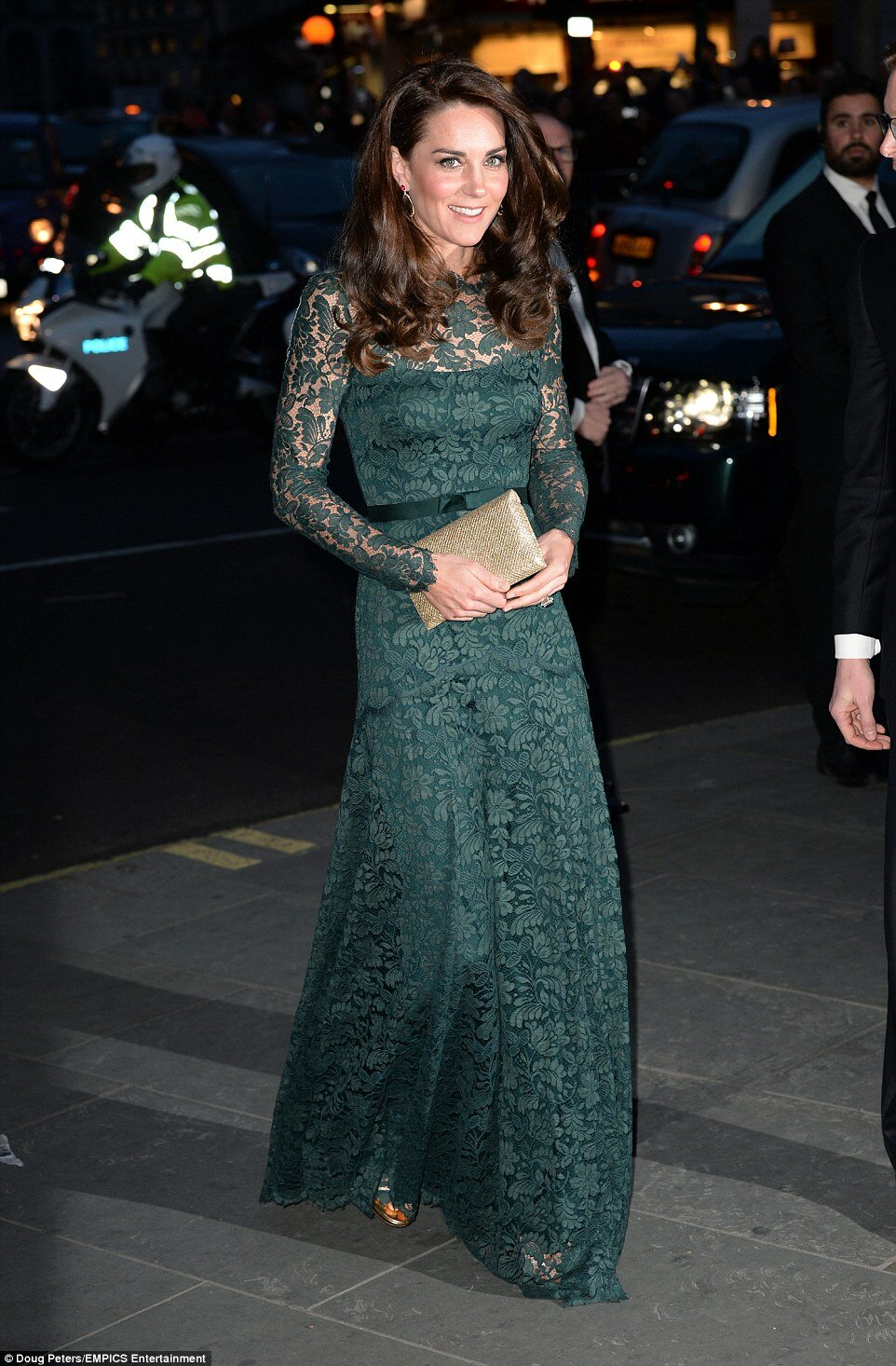 Kate Middleton Looks Gorgeous In A Clingy Lace Dress Fpn