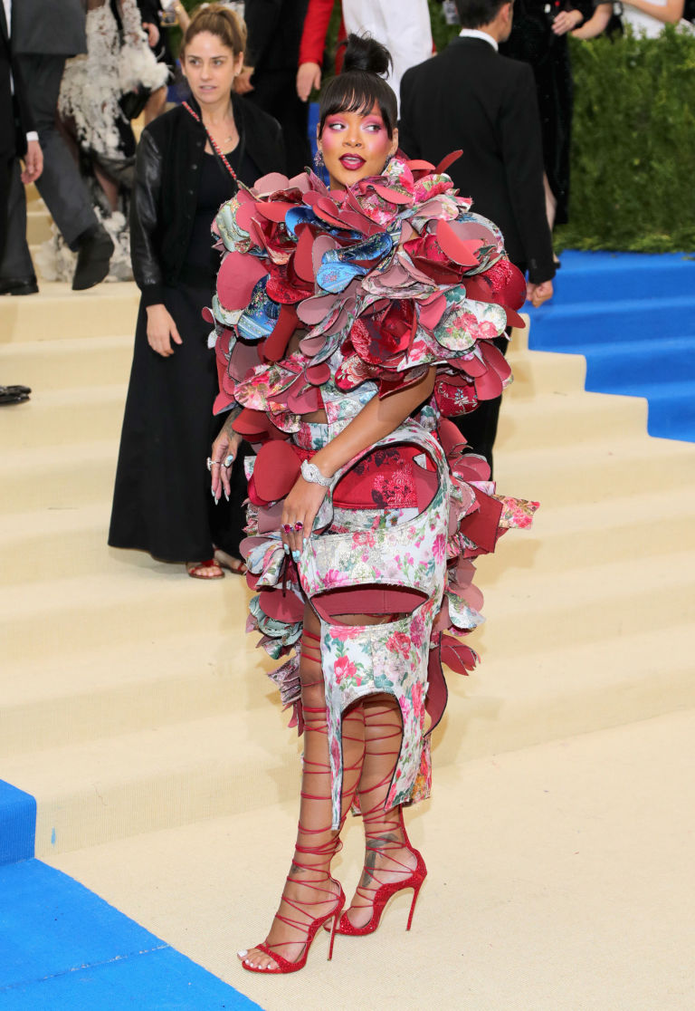 Rihanna S Dress To 2017 Met Gala Was The Mother Of All