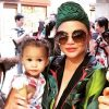 chrissy-teigen-outfits-venice-vacation
