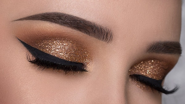 copper-glitter-smokey-eye-makeup