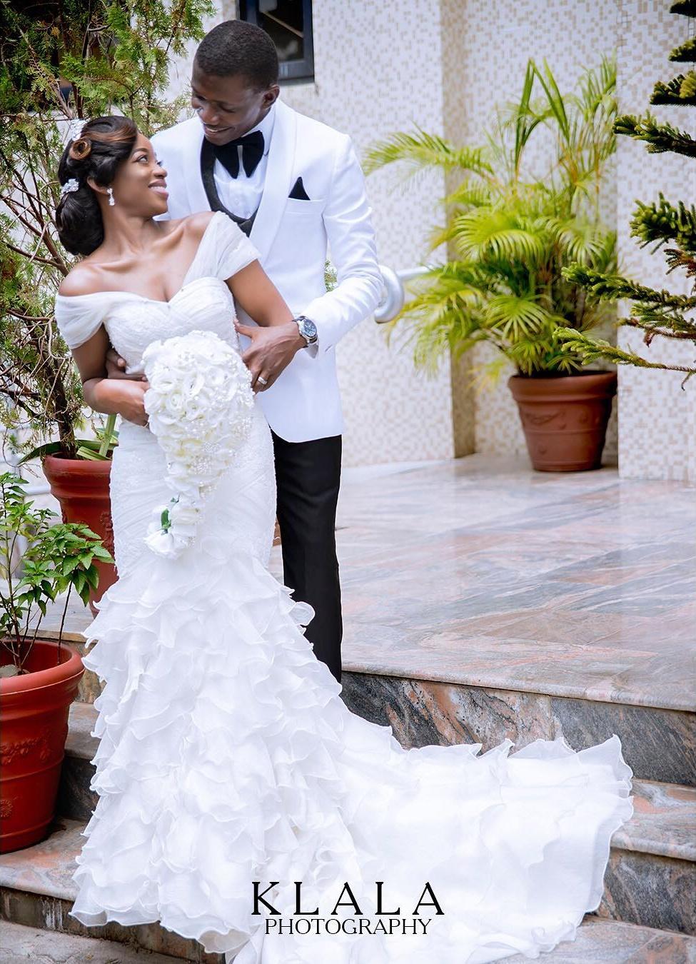 Bride wedding ballgown