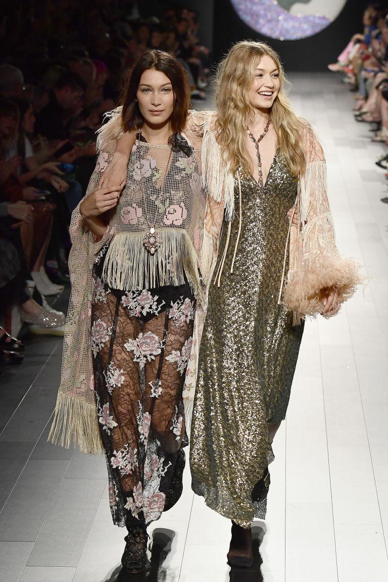 Gigi Hadid Wardrobe Malfunction New York Fashion Week SS18