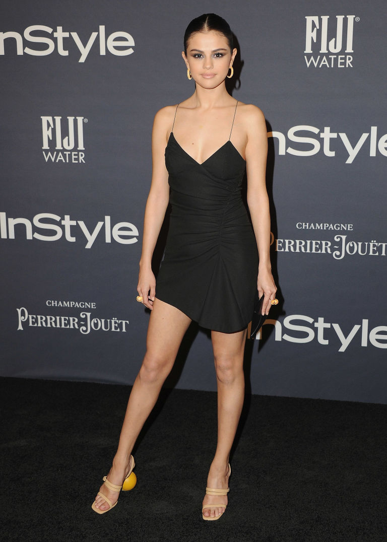 Selena Gomez Jacquemus Mismatched Shoes Instyle Awards