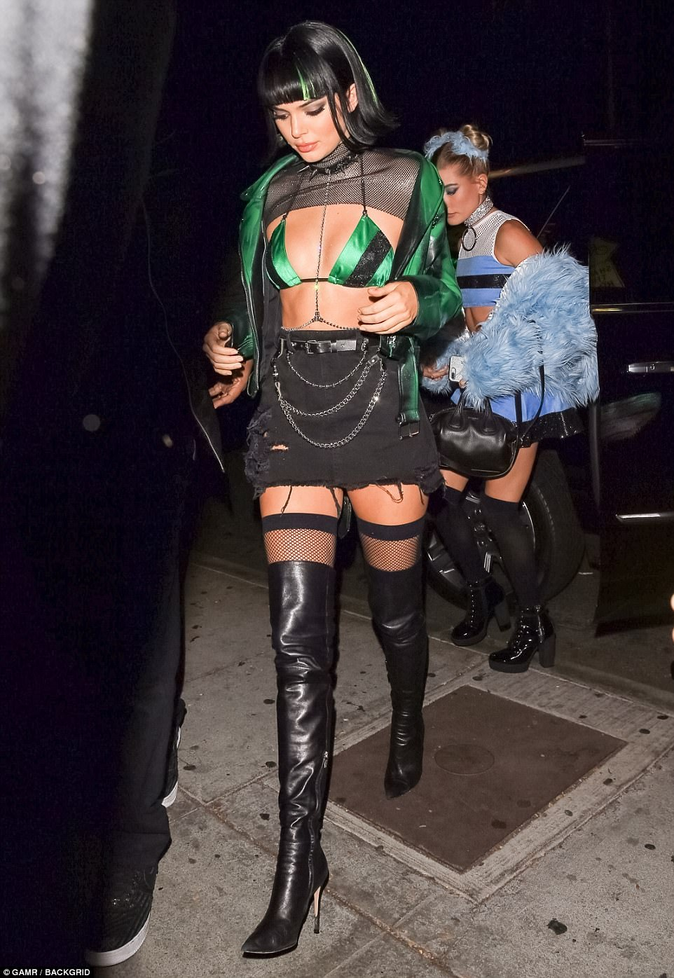 Kendall Jenner Is Winning Halloween Style In This Cartoon