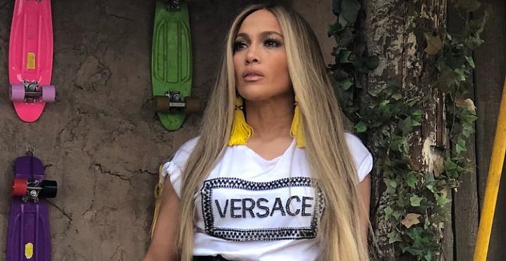 Jennifer Lopez Makeup Line