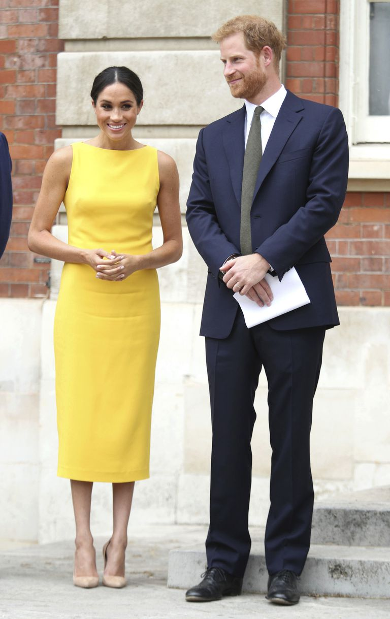 meghan-markle-yellow-dress-commonwealth-youth-event-01