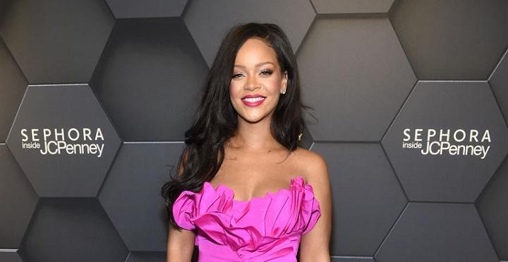 Rihanna-fenty-beauty-anniversary