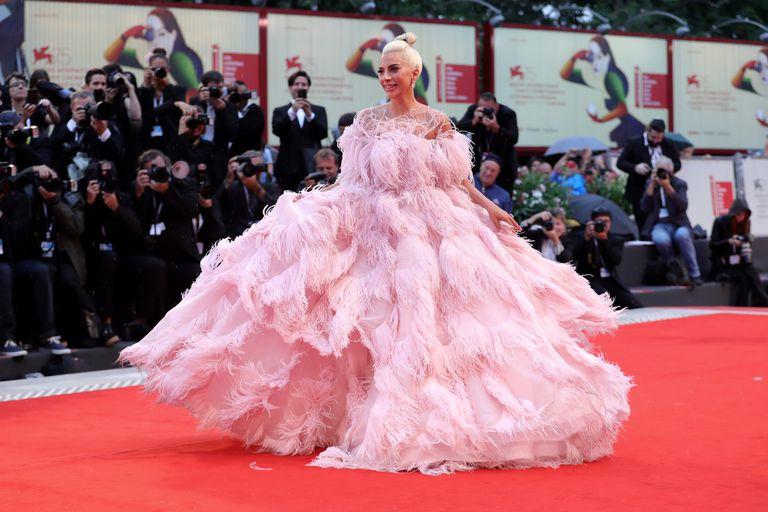 lady-gaga-red-carpet-arrival-venice-film-festival