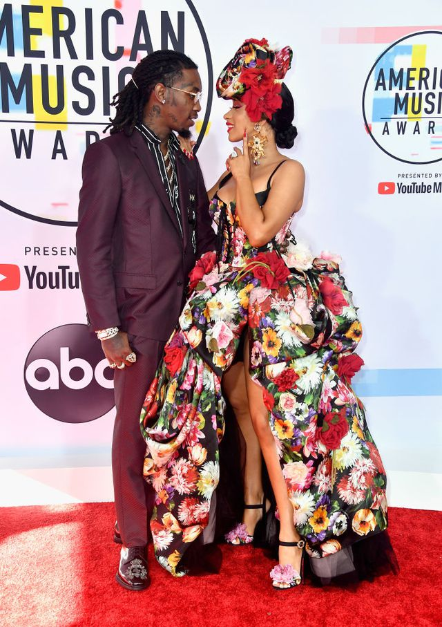 Cardi-Floral-Dress-American-Music-Awards-2018