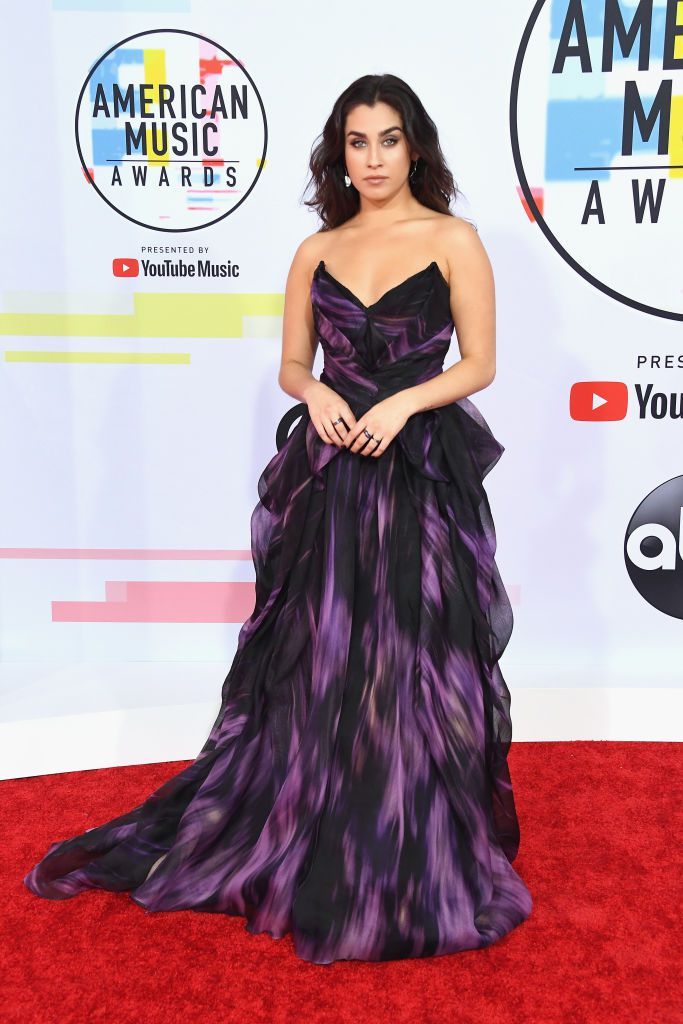 Red-Carpet-Looks-American-Music-Awards-2018