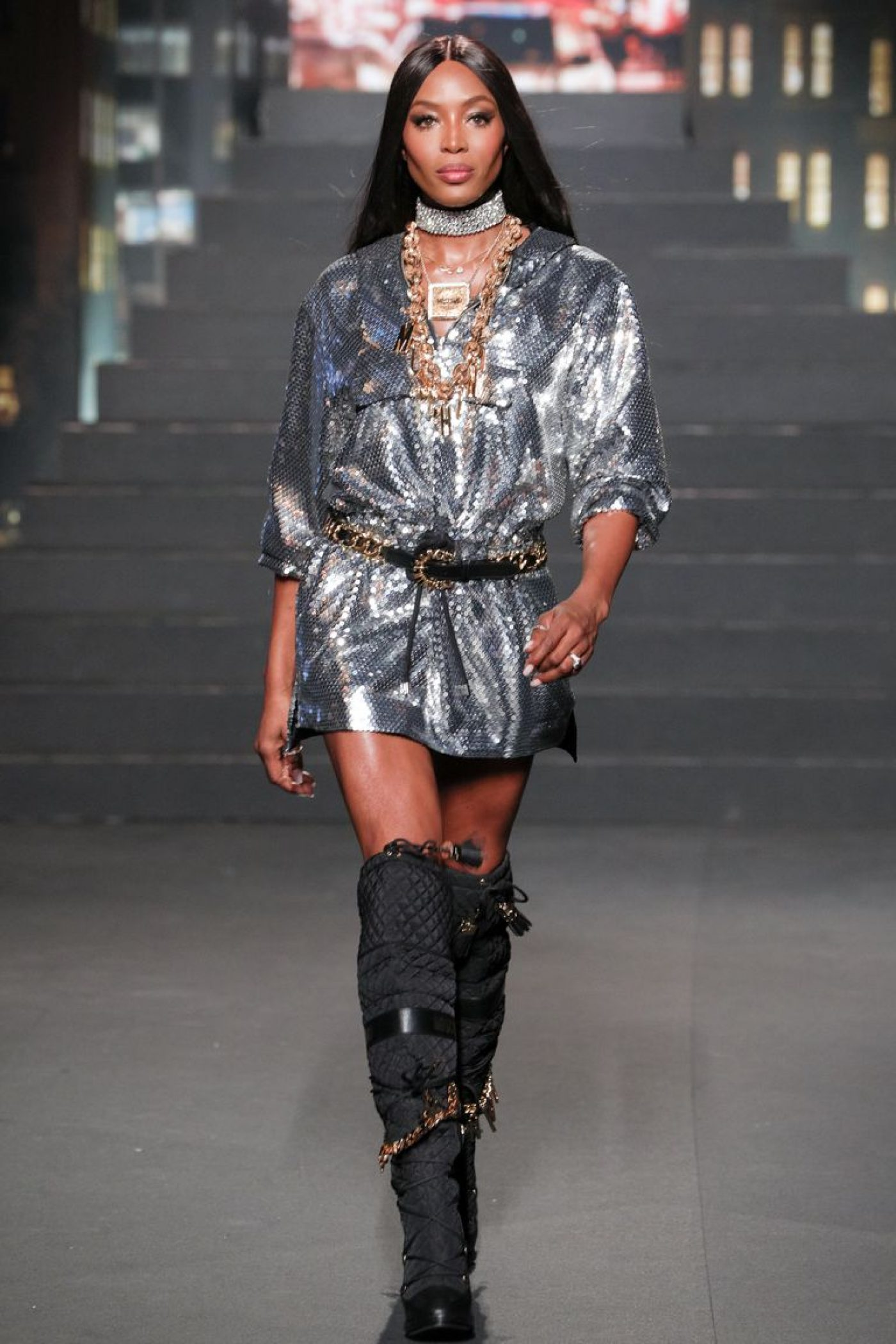 Naomi-Campbell-Hm-Moschino-Collaboration-Show