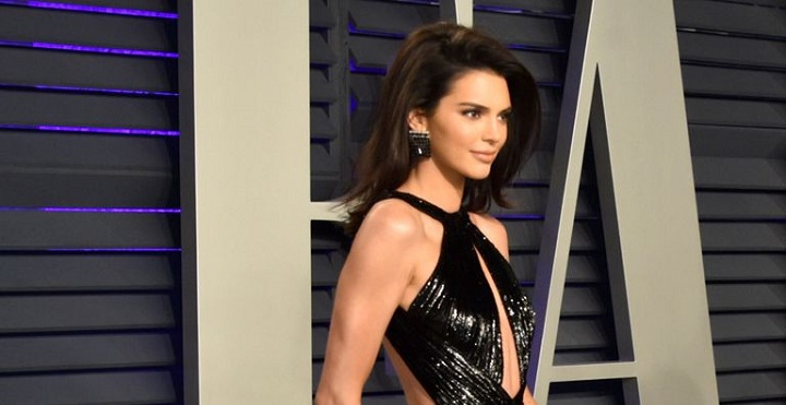 kendall jenner slit dress vanity fair oscar after party 2019