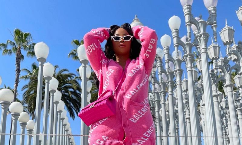 toke-makinwa-is-brightening-in-pink-balenciaga-look