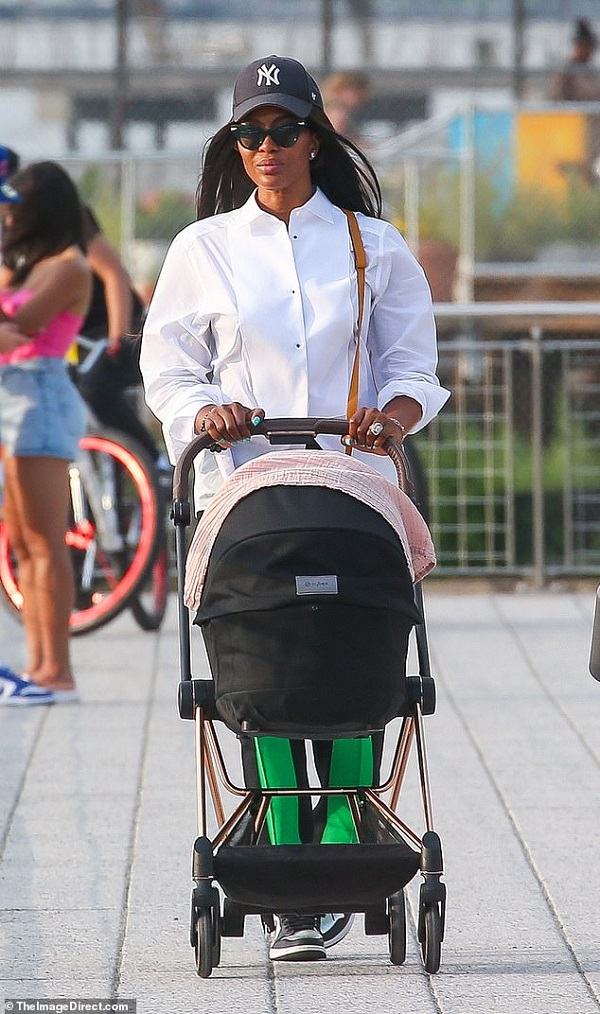 Naomi Campbell Took Her Baby For A Casual Walk For The First Time