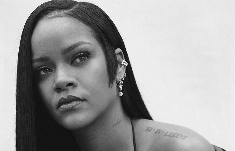 Rihanna's First Fenty Perfume Launch