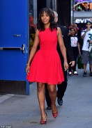 Kelly Washington Shows Us The Right Way To Style The Little Red Dress