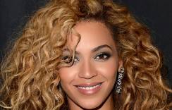 How To Get This Beyonce's Signature Hairstyle