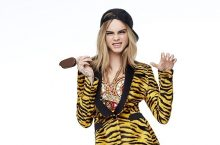 Cara Delevingne Stars In Moschino Campaign And Is Insanely Fierce
