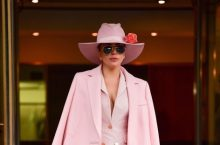 Lady Gaga Looks Amazing In Head To Toe Pink Suit