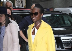 Lupita Nyong'o Looks Amazing In All White Outfit