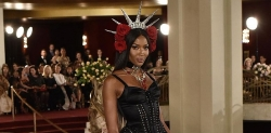 Naomi Campbell Looks Like A True Queen At Dolce & Gabbana Alta Moda Couture Show
