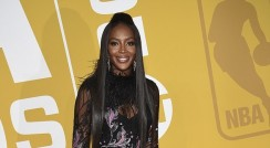 Naomi Campbell's Dress Has Amazing Details That You Need To See
