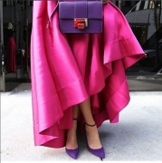 You Need To See How Everyone Will Be Carrying Their Handbags This Season