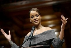 Rihanna Received Award In An Off-The-Shoulder Dress You'll Want To Wear For Days
