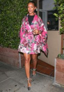Rihanna Just Perfectly Pulled Off A Cool GIrl Look