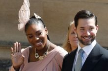 You Won't Even Notice Serena Williams Wore A Super Long Braided Hair At The Royal Wedding