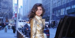 You'll Want To Start Wearing Gold Metallic Once You See Zendaya's Outfit