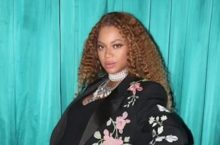 Beyonce Proves She Never Looks Bad In Floral Blazer