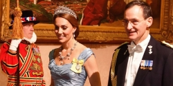 Kate Middleton Was A Vision In A Stunning Alexander McQueen Gown Last Night