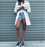 5 Cool Ways Fashion Girls Are Styling Their Denim Shorts This Season