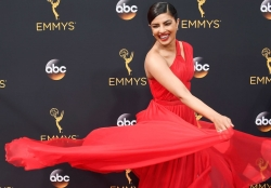All The Standout Red Carpet Looks From 2016 Emmy Awards
