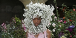Rodarte's Spring 2018 Show At Haute Couture Week Is A Nod To Flower Crowns