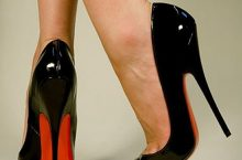 How To Wear and Walk in High Heels Without Moving Like A Robot