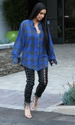 Kim Kardashian Will Make You Want To Wear Wrinkled Oversized Shirt